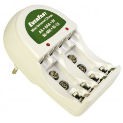 Cargador de baterías LR-06/LR-03/6F22 EverFast. Mod. CO-8610