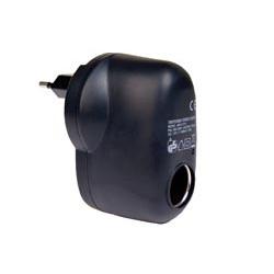 Alimentador electrónico AC/DC. Entrada: 100-230 V AC. salida mechero 12V 1A. Mod. 3532-A