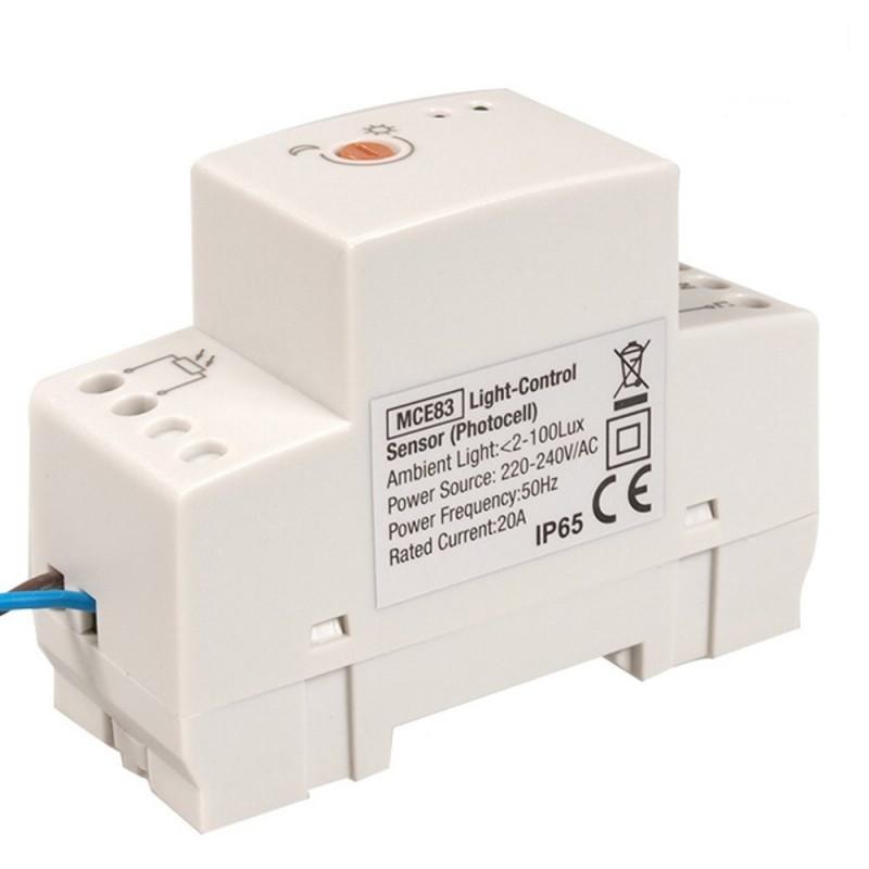 IP65 /ángulo de detecci/ón de 180 Grados hasta 12 m Interruptor de luz autom/ático con Mando a Distancia Maclean 58543 MCE241 Sensor de Movimiento por Infrarrojos